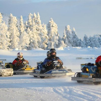 In our ice karting program you can test your driving skills.