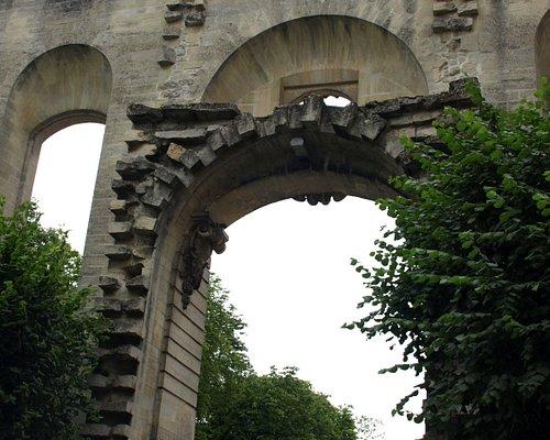 石造りの門