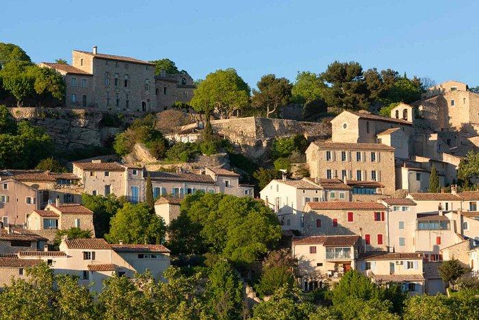 Village de La Roque sur Pernes