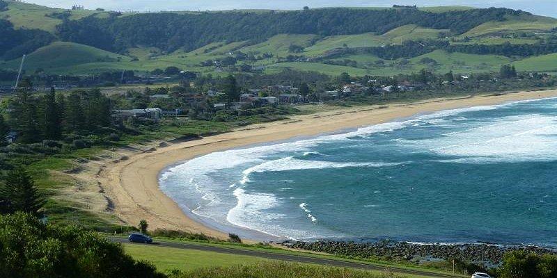 Surfing at Werri Beach