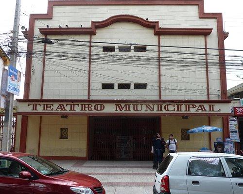Das Theater an der Plaza de Armas von außen