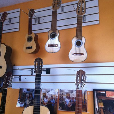 Charangos, ukeleles, and guitars