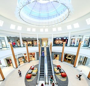 Indianapolis #1 Shopping is Fashion Mall at Keystone, a luxury center