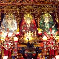 Estatuas en el templo