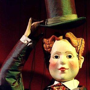 Jeannot. Uit: 'Het Luchtkasteel' van Jacques Offenbach door het Amsterdams Marionetten Theater.
