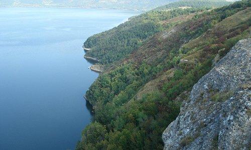Бакота, скальный монастырь.