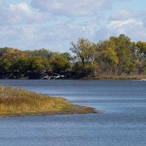 Desoto Bend Lake in autumn