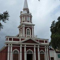 Die Kirche an der Plaza de Armas