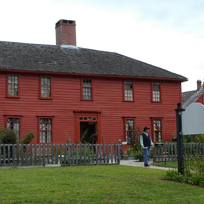 The outside of the Leffingwell museum