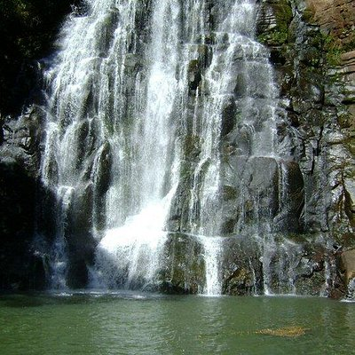 Primeira das 4 quedas da Cachoeira do Assentamento da Fronteira