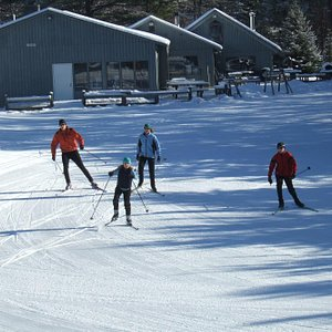 We offer a free group lesson every Saturday at 4:00pm while there's snow!