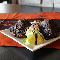 Chocolate brownie with almond and pistacho