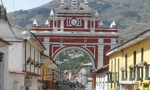 Arco del triunfo visto desde el Jr. 28 de julio