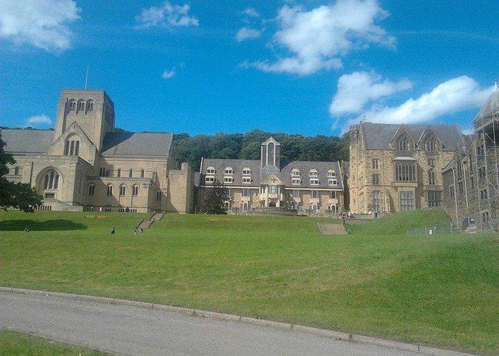 La Chiesa dal campo sportivo