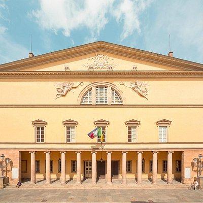 La facciata (Ph. Delfino Legnani)