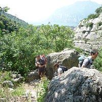 Verso la valletta di santa Lucia a Torbole