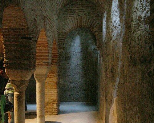 Interior de los Baños Árabes