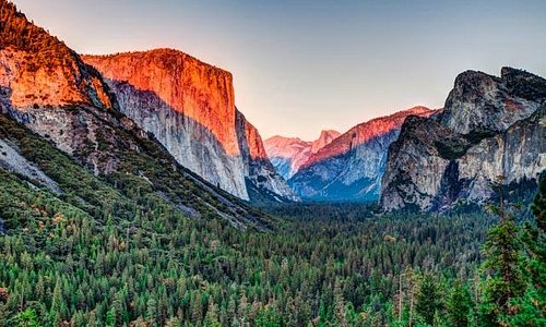 Sunset coloring El Capitan and Half Dome