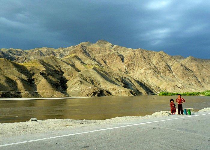 On the road between Keshim and Faizabad.