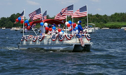 Annual Fourth of July Boat Parade