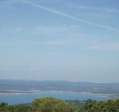 Vista da represa de Tres Marias