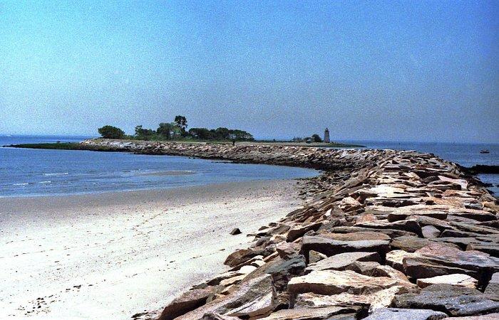 Beakers leading to Fayerweather Island