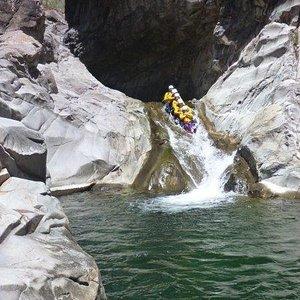 canyon trou blanc la chenille
