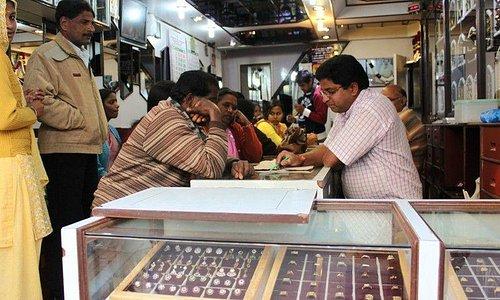 Ювелирный магазин на Main Bazar