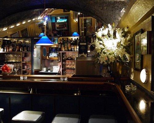 style wine bar