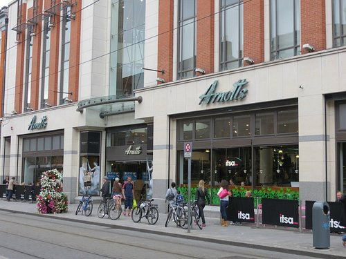 Arnotts Abbey Street entrance passes the Coffee Shop