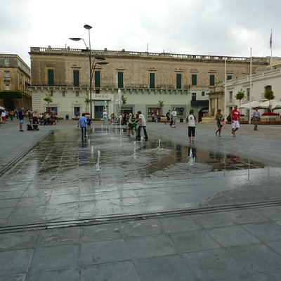 Fountains, St George Square
