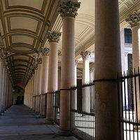 Cattedrale di Novara, colonnato