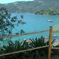 Vista linda da trilha que leva a Praia Preta