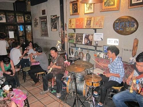 Pong & the band
