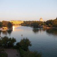 Panorama del lago e del parco