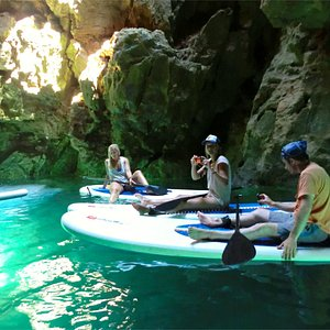 Everyone having a wonderful time inside the grottoes of the Algarve