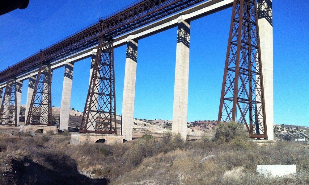 Puente de Hacho, Alamedilla