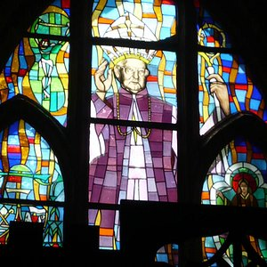 Colour glass window