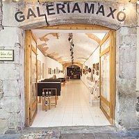 Gallery Maxó Door