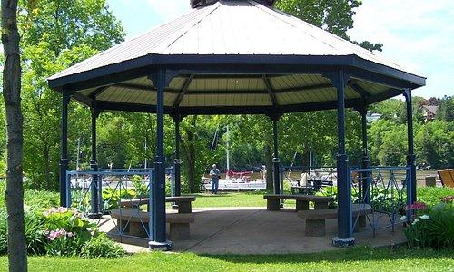 Magnifique Gazebo, Parc de la Marina-de-la-Chaudière