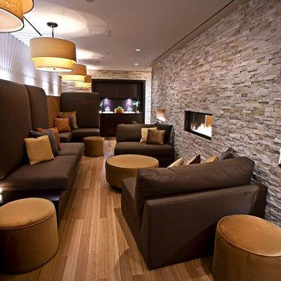 lounge at the Bayshore location