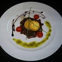 (pt) Queijo de cabra panado / (en) Deep fried goat's cheese