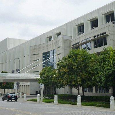 Façade and entrance to the Woodruff Arts Center, Atlanta, GA.