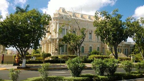 Hermosa casa en Paseo Montejo.