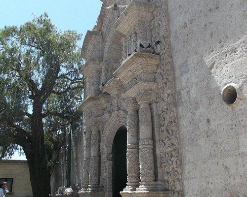 Arequipa Perú. Iglesia (Parroquia) de Yanahuara. Frontis-Acceso.