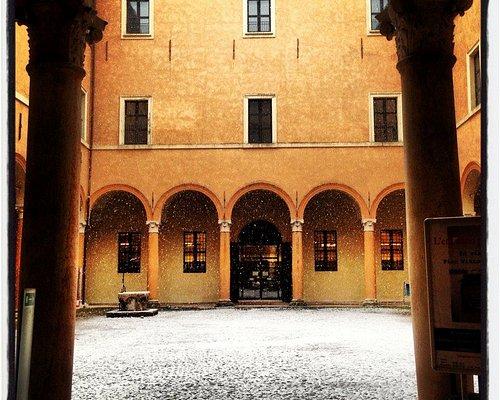 cortile palazzo Principi in nevicata