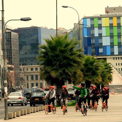 Ecorecicleta ofrece una manera única de descubrir los cerros, borde costero y la ciudad en bicic