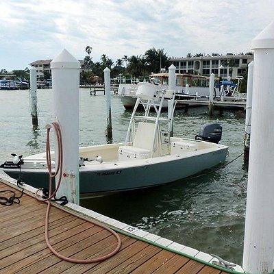 24 Bay boat , dry comfortable