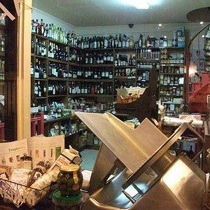 Produits artisanaux italiens à l'épicerie RAP à Paris