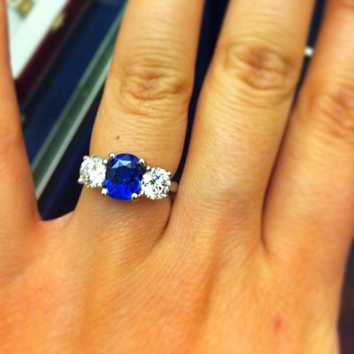 Engagement ring made to order 🇬🇧 set with. Natural Ceylon Blue Sapphire set with Diamonds
